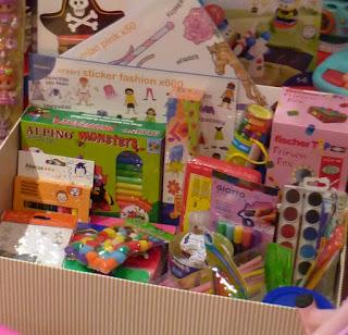 Caja de manualidades para regalar a los niños