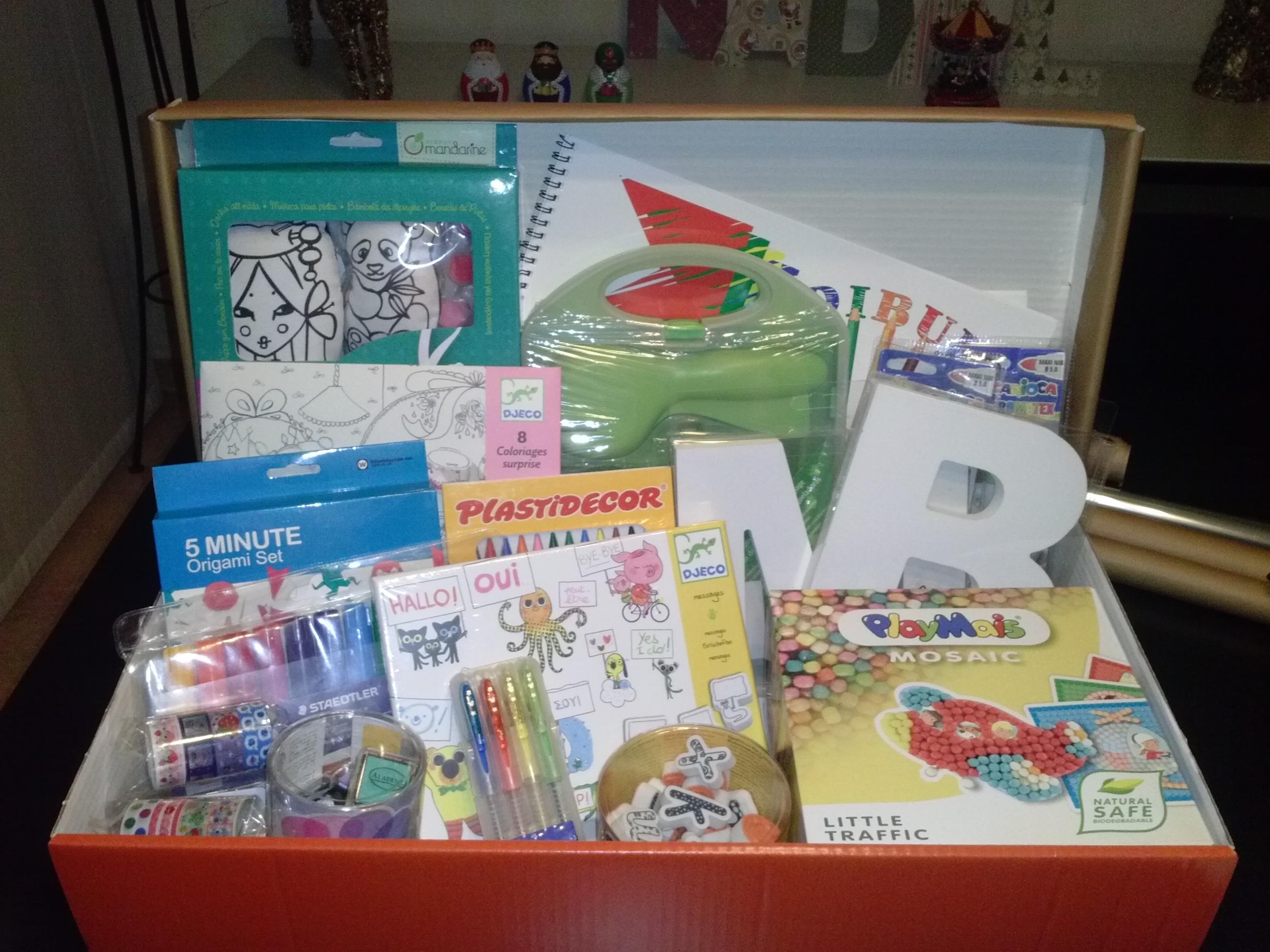Ideas De Regalo Una Caja De Manualidades Para Ninos - Ideas-para-regalar-en-navidad-manualidades